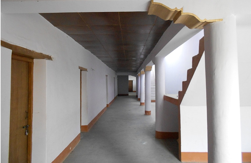 bericht-13-9 neues Internatsgebäude von innen