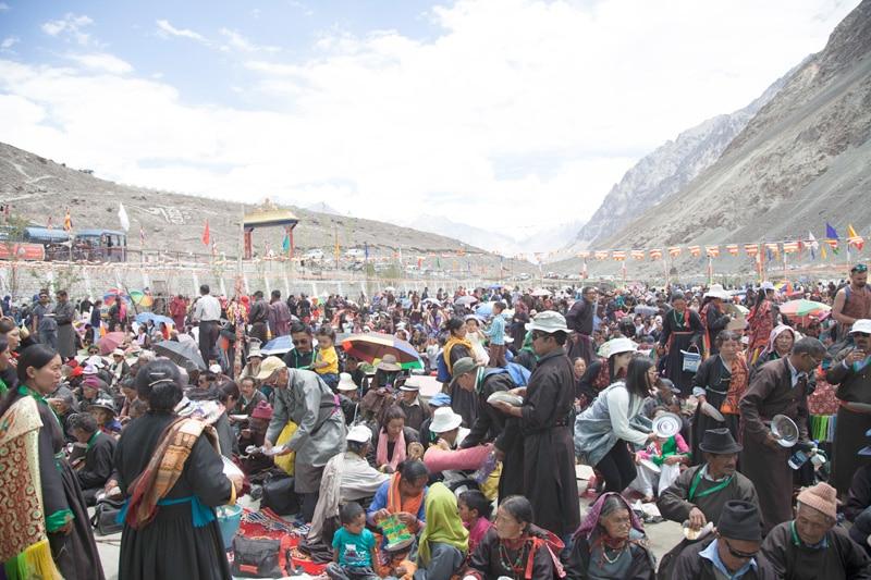 bericht-17-12-Große Menschenmenge