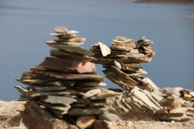 Steinpyramide am Salzsee