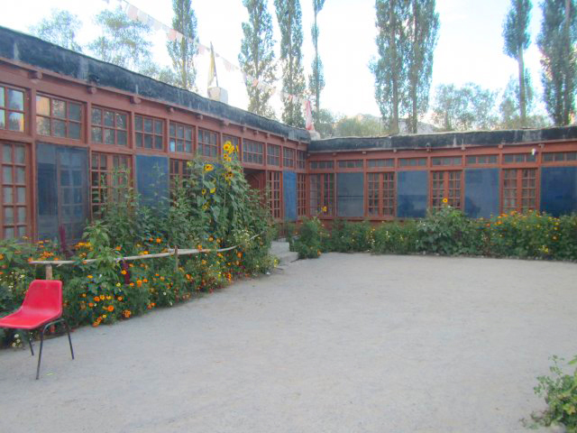 Internatshaus altes Schulgelaende