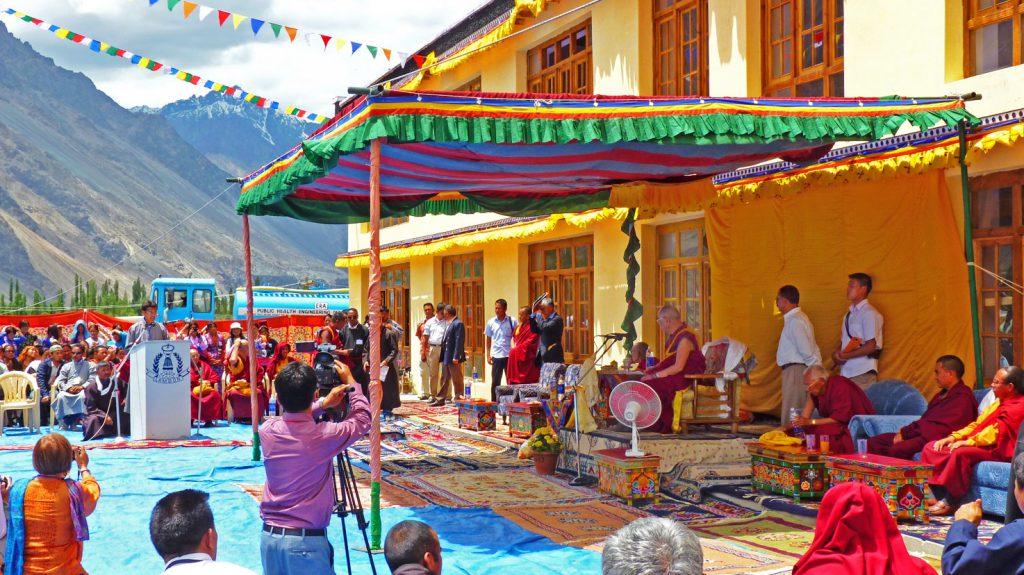 2010 - Schulsegnung durch den Dalai Lama